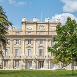 GROUP TOUR THE LIRIA PALACE