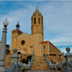 Panoramic Sitges + Cavas (full day - 8 hours)