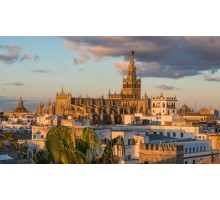 SEVILLE, FASCINATING & MONUMENTAL