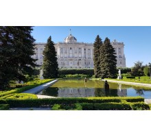 Walking Tour + Palacio Real - Group Tour